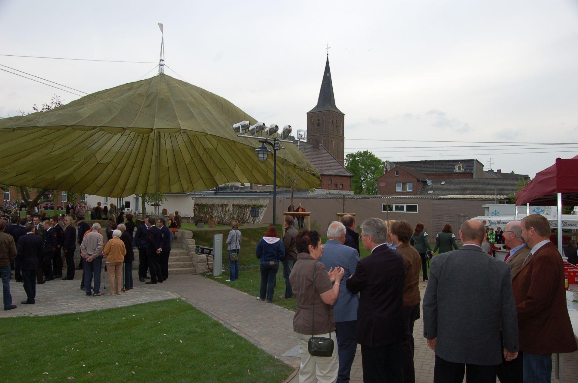 2009_Dorfplatz-Maik-Holtermann-01