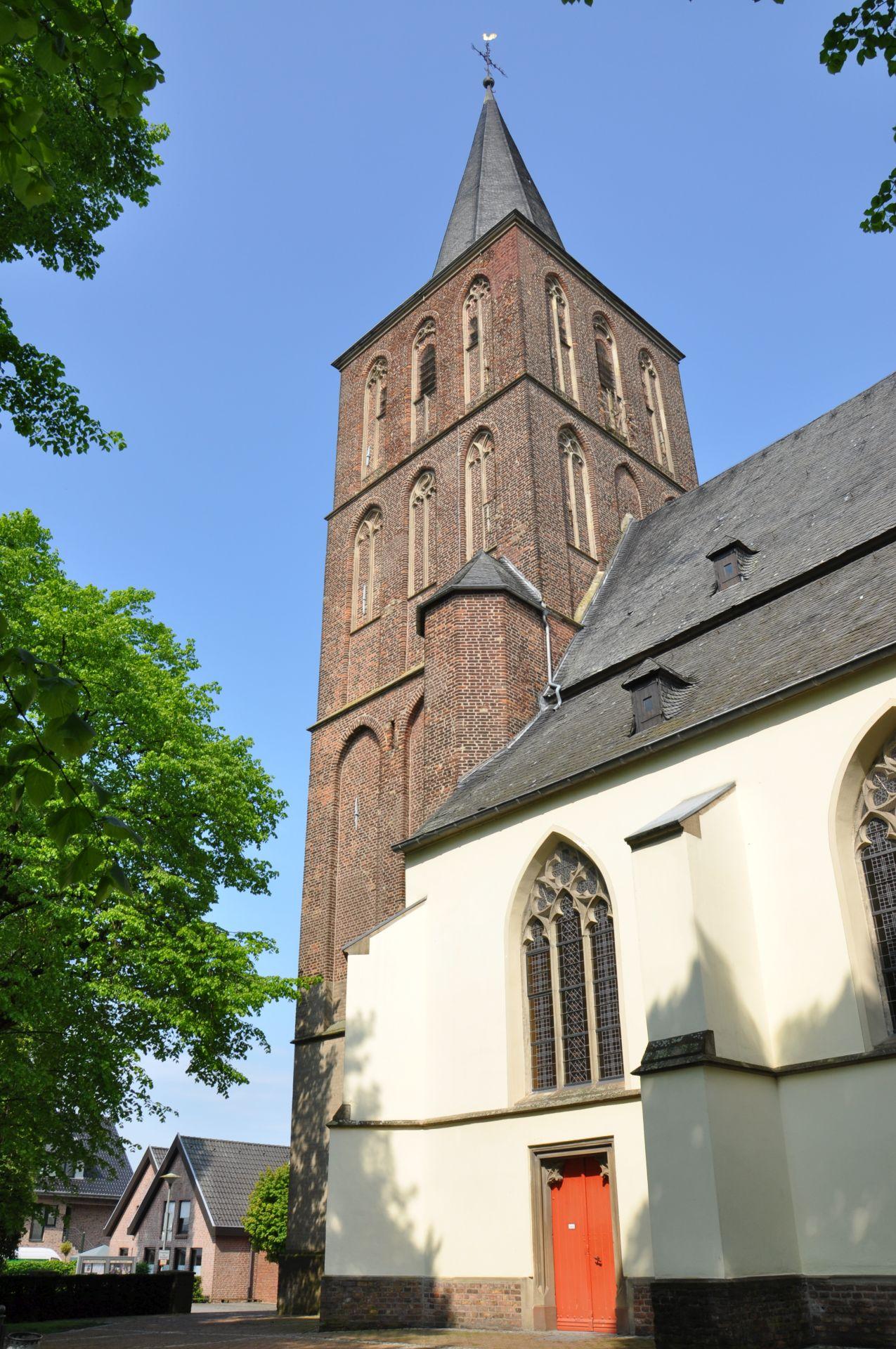 2016_Kirche-Bernhard-Hözel-01